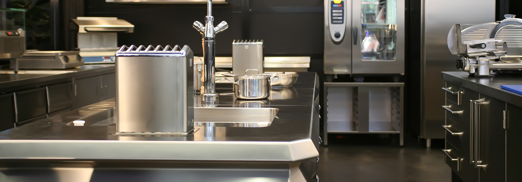 PROFESSIONAL STAINLESS STEEL CATERING EQUIPMENT